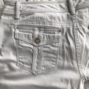 White House Black Market Shorts - WHBM Grey Shorts/Bermuda size 8 in great shape 👍